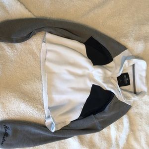 hollister zip up hoodie in size small! hardly worn
